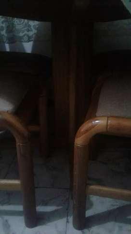 Comedor de 4 puestos en madera