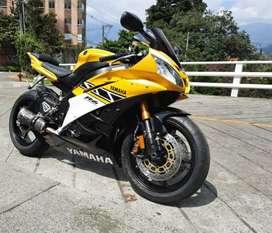 Yamaha R6r modelo 2006 Edición especial 50 Aniversario.
