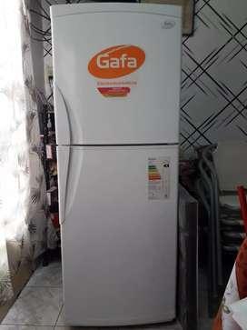 Heladera Gafa HGF377 310 L