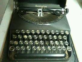 Maquina de Escribir Antigua Remington
