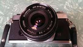 Lentes JAPONES Olympus Zuiko 24mm 2.8 + 50mm 1.8 + Olympus Om 1