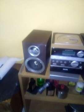 Radio grabador con cassetera.