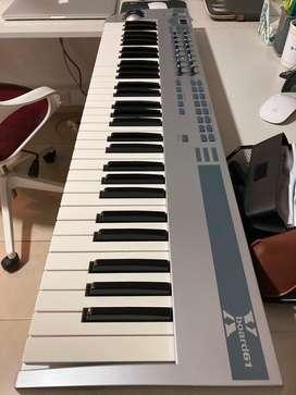 Teclado controlador MIDI EMU Xboard 61