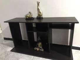 Se vende mesa para tv y equipo