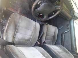 Vendo hermoso caero Mazda 323 modelo 95 super en buen estado super bararo