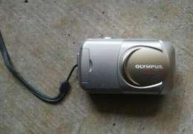 OLYMPUS CAMEDIA D-395 ..3.2MP DIGITAL