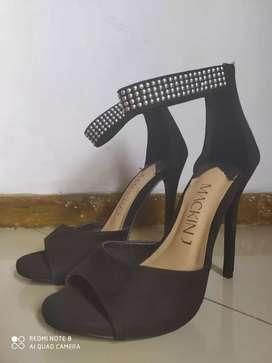 Zapatos de taco negros