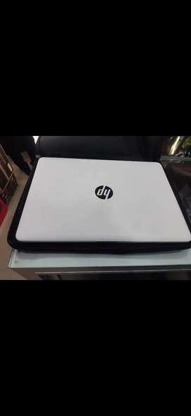 Hp 14, 4gb ram, intelside, 1250gb, windows 10 Pro.