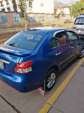 Marca: Toyota, Modelo Yaris, Año: 2008, Color: Azul Claro Metálico, Carrocería: Sedan