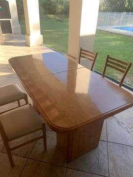 Vendo mesa con 4 sillas y modular