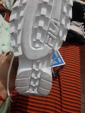 Zapatillas nuevas fila y me balance