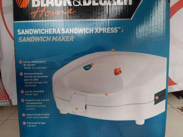 - Sandwichera - Black & Decker 0