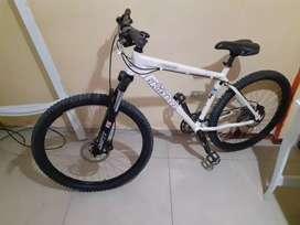 Bicicleta marca khona