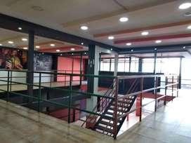 Pinar Bajo, Local, 300 m2, alquiler, 2 ambientes, 1 baño, 10 parqueaderos