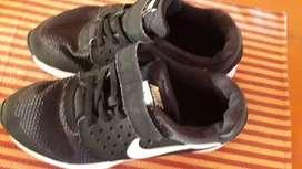 Nike original impecable poco uso