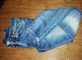 Jeans American Eagle y Levis Strauss