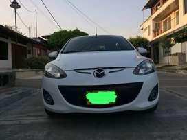 Vendo Mazda 2 color blanco