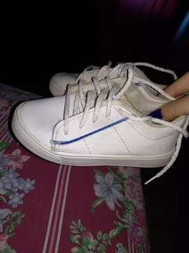 calzado niño usado en buen estado