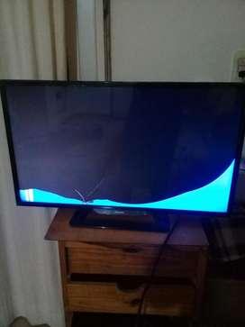 Tv Led Philips33 Pantalla Rota.