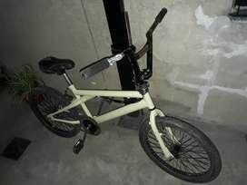 Bicicleta gt freestyle