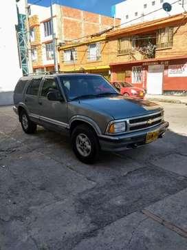 Vendo camioneta Blazer 95 $13.000.000 negociables.