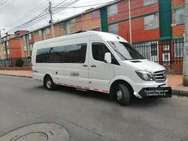 Expresos, rrecorridos en van y buses desde Bogotá