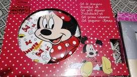 Minnie Mouse: Set Desayuno para niña, material ceramicarial vidrio.