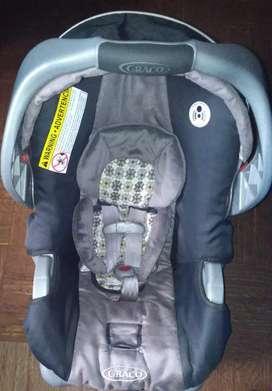 Silla importada marca Graco, Porta bebe para carro, modelo SnugRide 30lx, semi usada, estado 9.4 de 10
