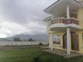 Casa con vistas hermosas al Imbabura y lago San Pablo