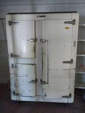 Heladera tipo carnicería 3 puertas