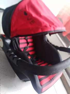 huevito rojo y negro