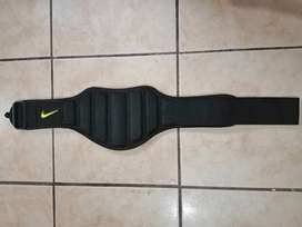 Cinturon para levantar pesas Nike Talla M