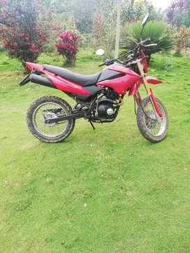 Moto 200 en buen estado