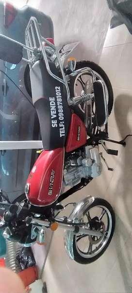 Vendo moto shynerai color roja en $ 1200
