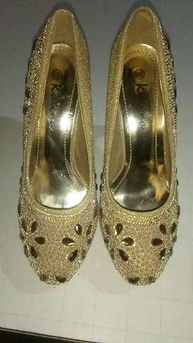 Vendo zapato de fiesta  poco uso talle 37