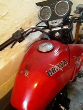 Vendo moto marca brava alpino 150