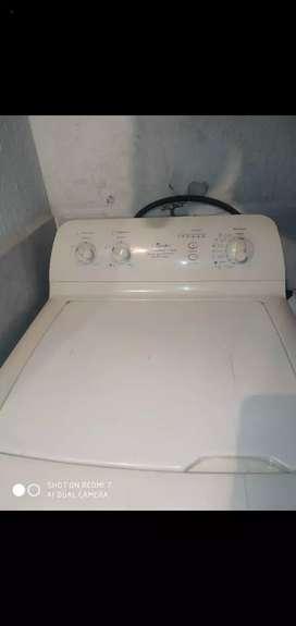 Se vende lavadora centrales para repuestos o  arreglar