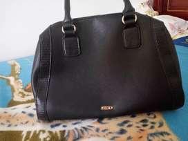 Vendo hermoso bolso elegante