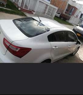 Vendo kia rio sedan 2014 en exelwnte estado original