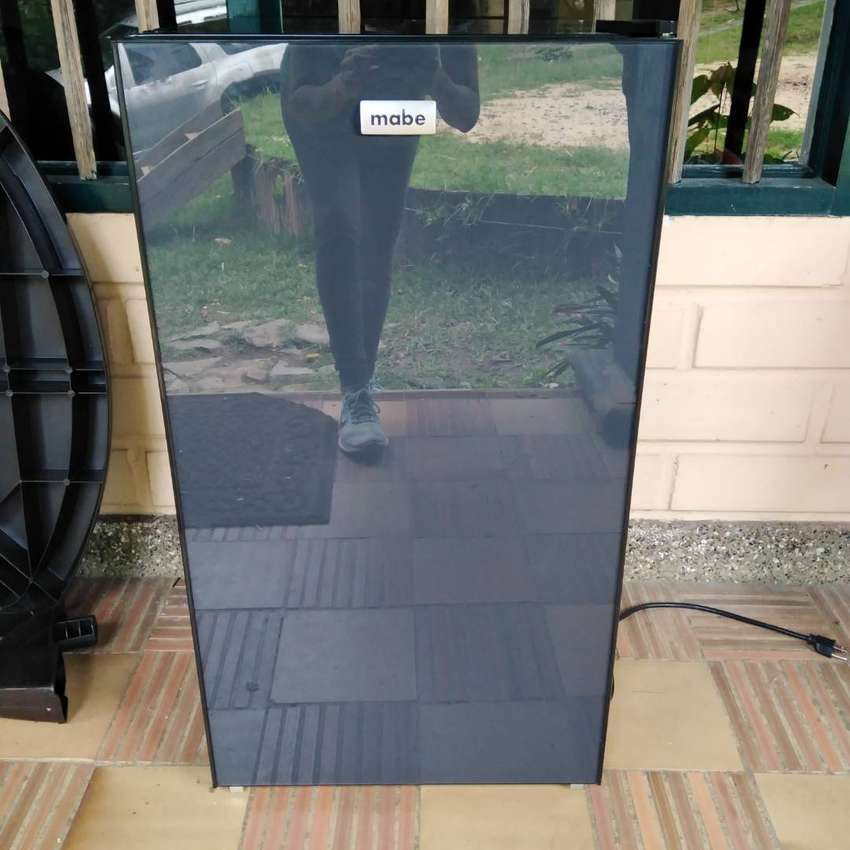 Minibar 93 Lts. Negro Mabe - Rmf04cv0 0