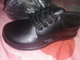 Zapato talla 27 para el colegio nuevos