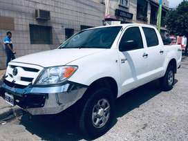 Vendo toyota Hilux 4x4 dx pack