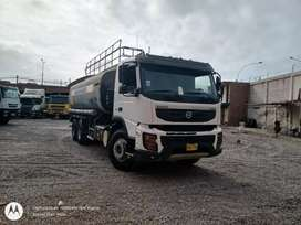 Camión cisterna de agua Volvo fmx 2011