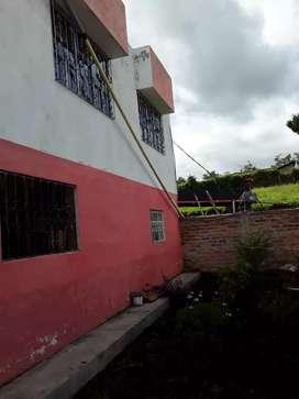 Se vende casa en muy buen estado con doble garaje de dos pisos a afueras de la ciudad a tal solo 10 minutos de la ciudad
