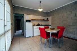mu01 - Cabaña para 2 a 5 personas con pileta y cochera en Chascomus