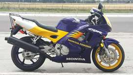 Vendo Honda CBR 600 f3 mod. 98 version limitada