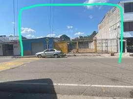 Local 800 Mt2 sobre calle principal muy comercial y transitada