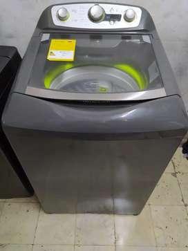 Lavadora haceb de 28.6 libras como nueva