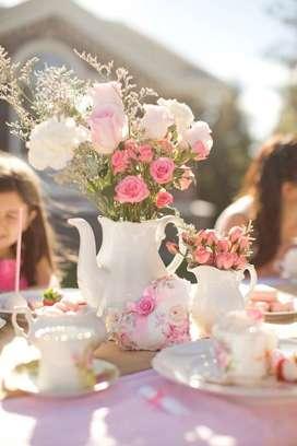 Servicio de Té y Pastelería a domicilio. Catering y alquiler de tazas.