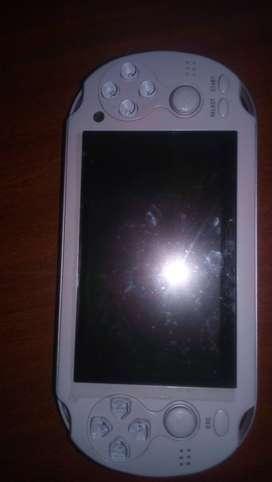 Dispositivo Mp4 y consola portatil con juegos clasicos.